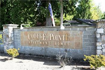 College Pointe Apartments